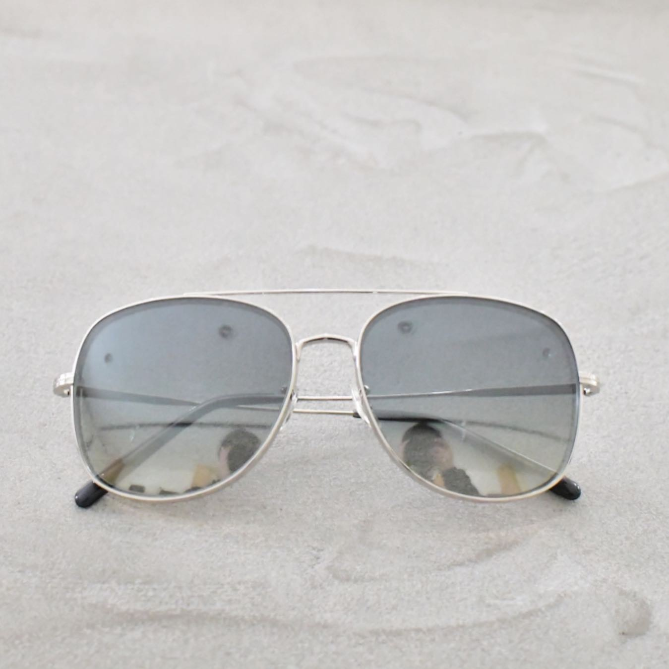 OLIVER PEOPLES TARON